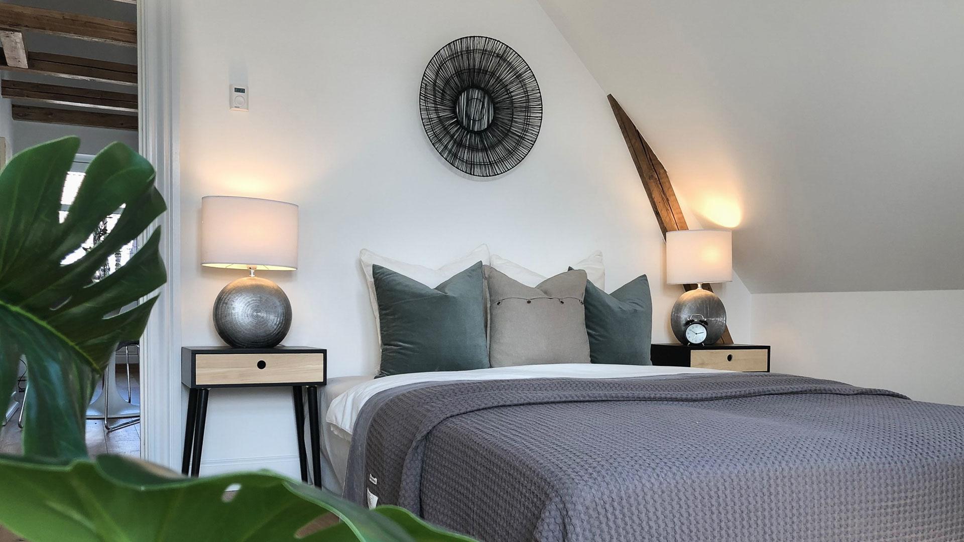 Soveværelse i lille lejlighed med Full Styling.
