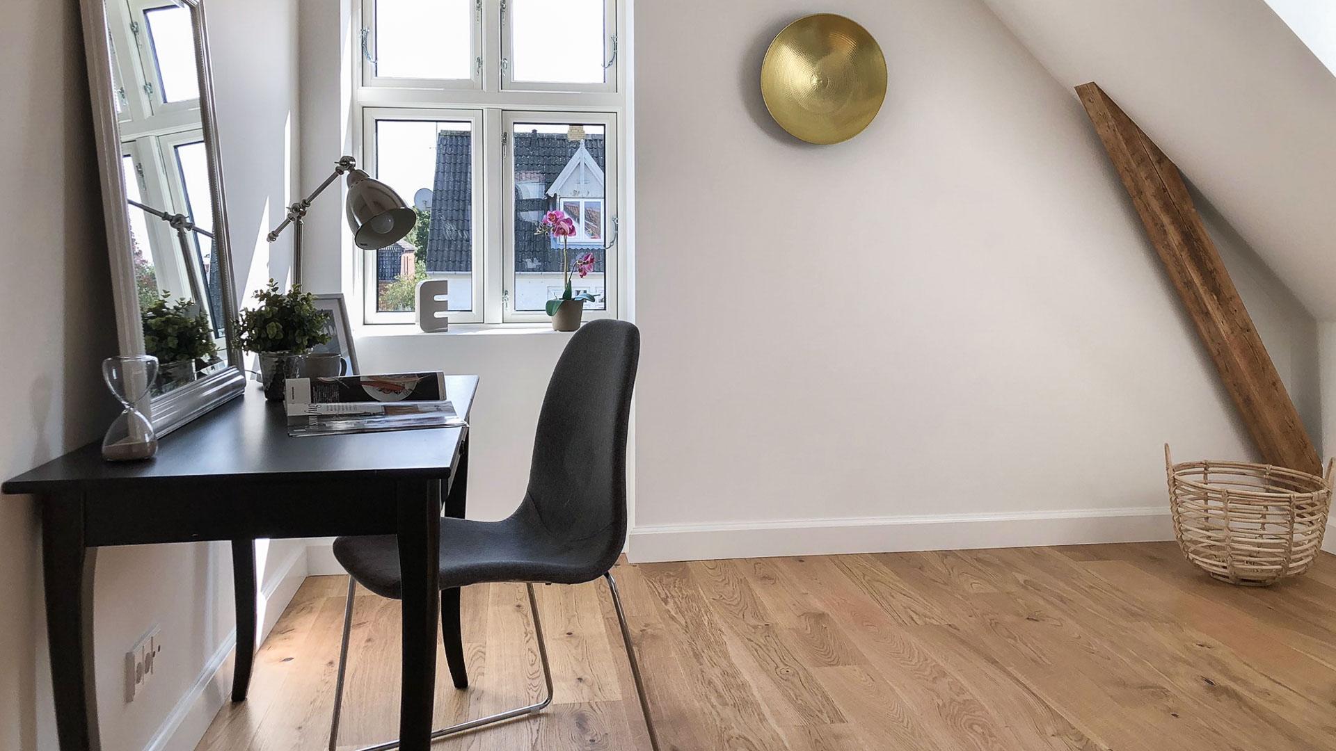 Plads til at arbejde – styling af et værelse Full Styling.