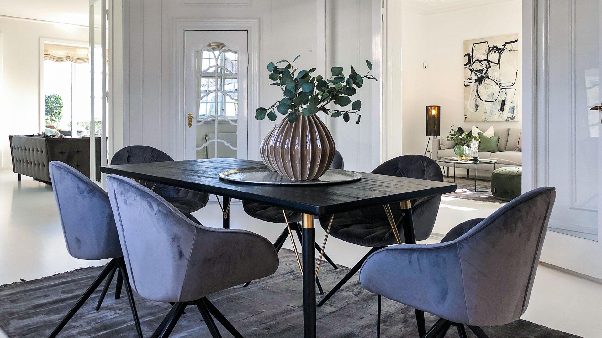 En dLux Styling fra InBoligStyling - når boligen har særligt format og stylingen matcher!